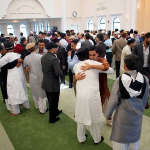 Muslim sect enjoys freedom to worship