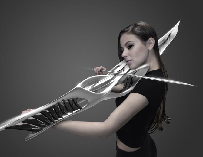 """強化外骨格のような""""バイオリン""""は、楽器なのに破壊を連想する異次元の美"""