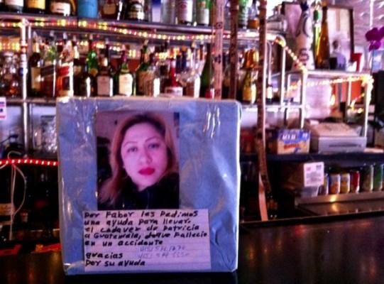 Fotografía de Silvia Patricia Tun Cun en el bar donde solía trabajar. Foto de Andrea Valencia.
