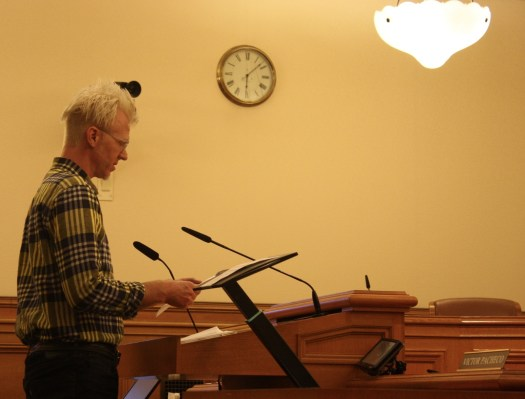 Jefferson McCarley of the Valencia Merchants Association gives testimony at a Board of Appeals hearing on August 14, 2013. Photo by Daniel Hirsch.
