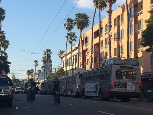 Buses at a standstill at 16th and Mission Streets. Photo by Alexandra Garretón