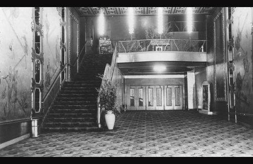 Lobby of New Mission Theater in 1943. Photo courtesy of Jack Tillmany.
