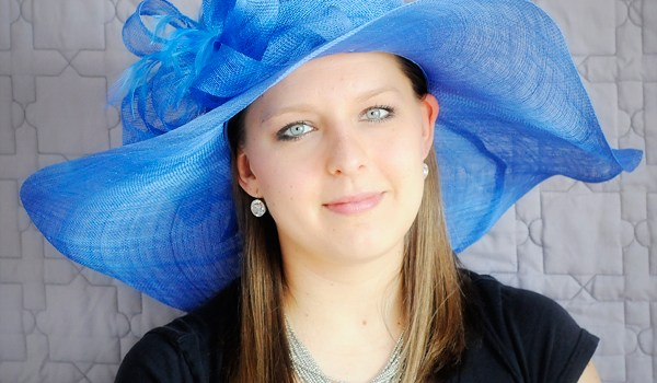 Friday Feature | Blue Wide-Brimmed Hat