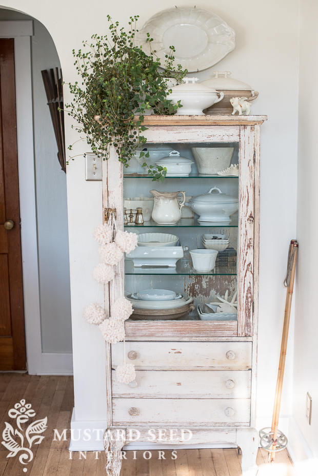 Accessorizing On Pinterest Vignettes Wood Grain And