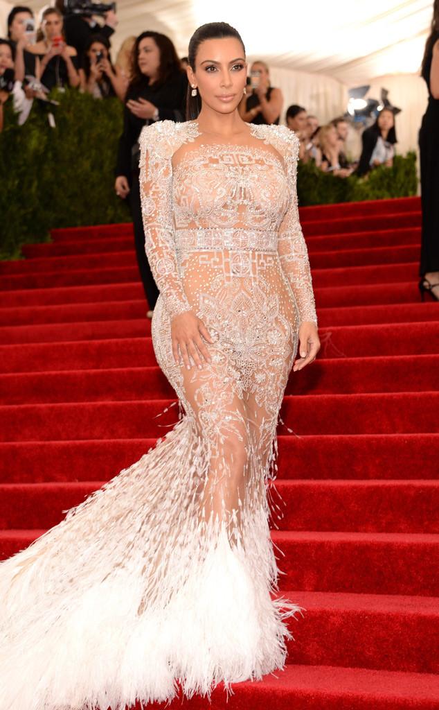 Kim Kardashian look baile Met 2015