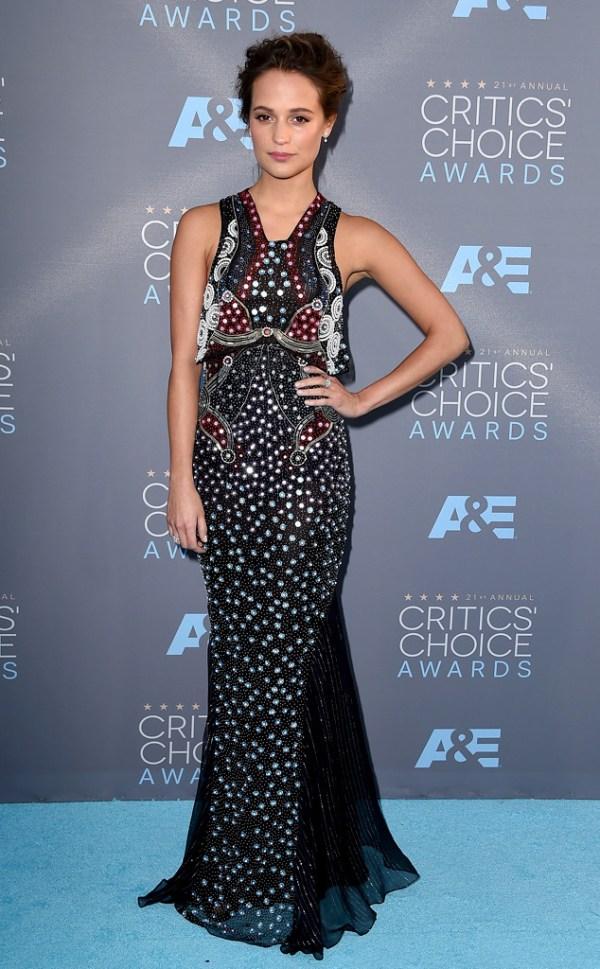 Cricit's Choice Awards 2016 Look Alicia Vikander