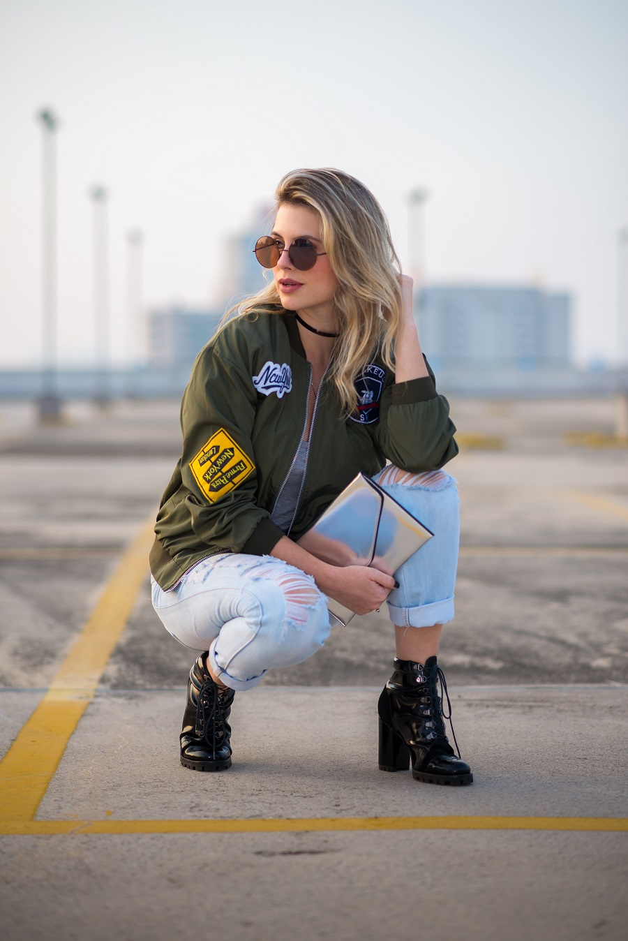 look do dia da Mel Campo jaqueta bomber com patches (2)