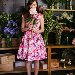 pink_floral_dress_with_white_heels_1