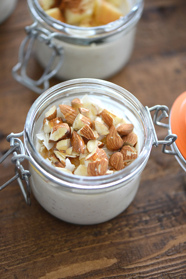 an easy recipe for overnight oats with almonds and coconut! A great healthy breakfast idea.