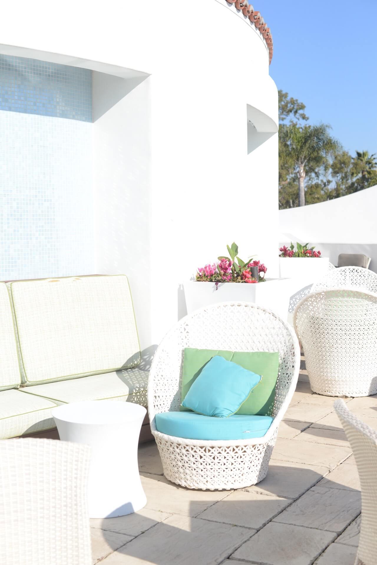 lounge area at omni la costa resort and spa