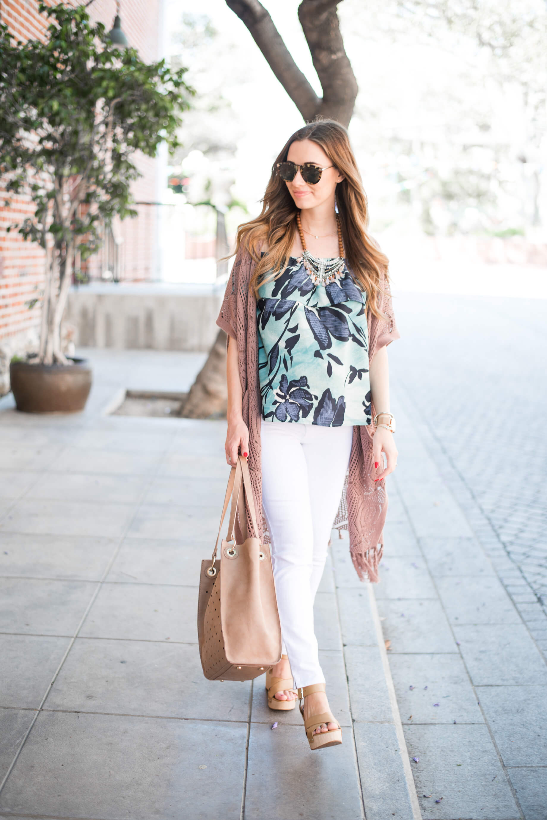 floral top and white jeans outfit inspiration