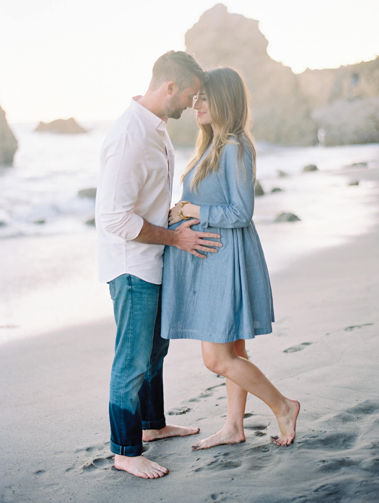 photoshoot inspiration when you're expecting a baby