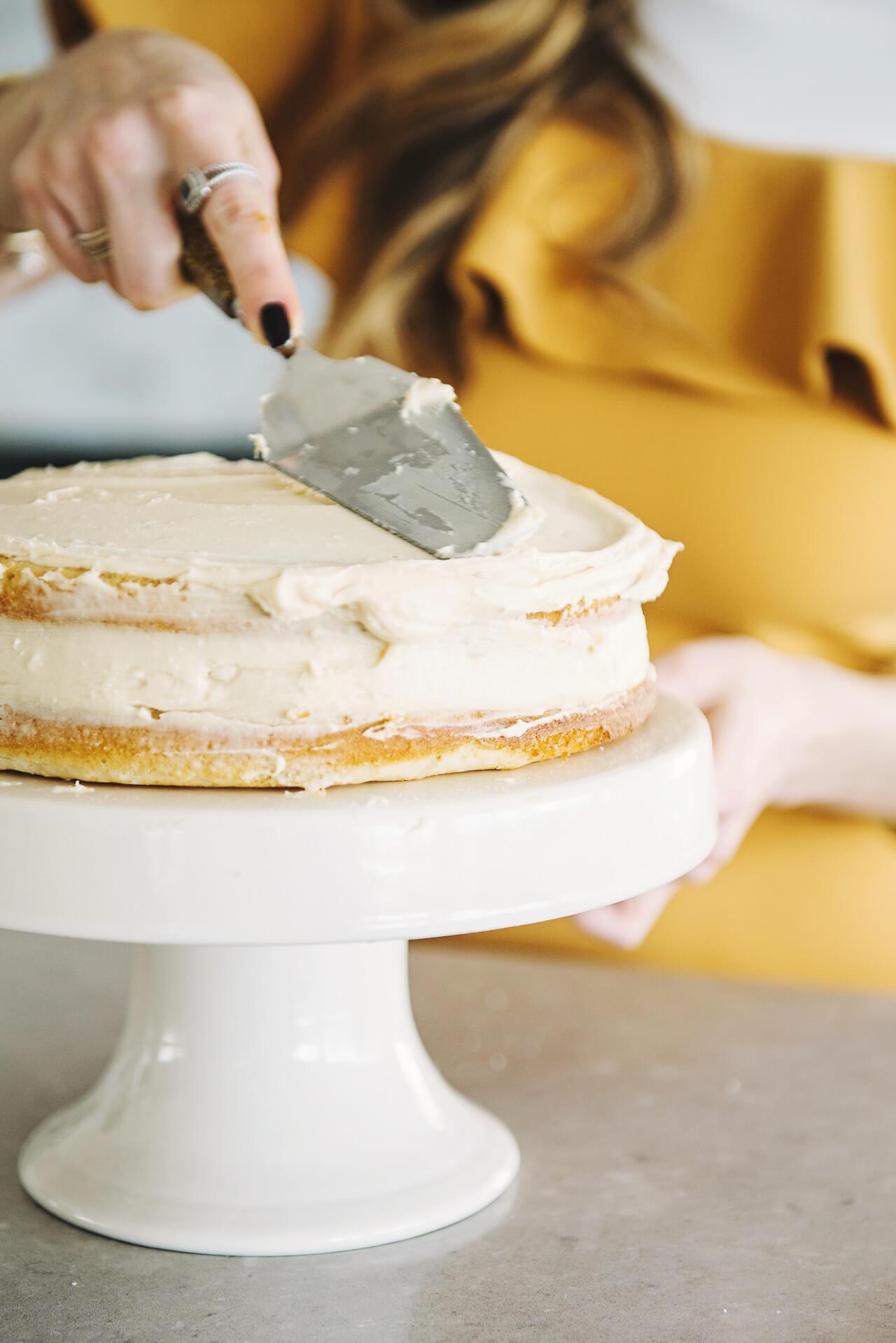 frosting vanilla bean cake