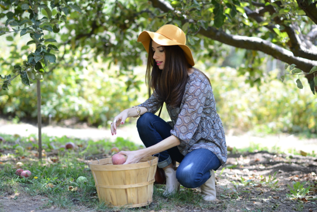 apple picking M Loves M @marmar