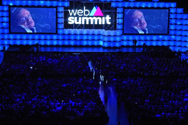 Web Summit 2017 - Stephen Hawking Sobre a Inteligência Artificial