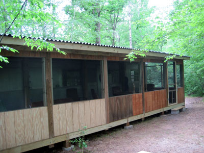 Awesome 1955 spartan imperial mansion remodel for Screened in porch ideas for mobile homes