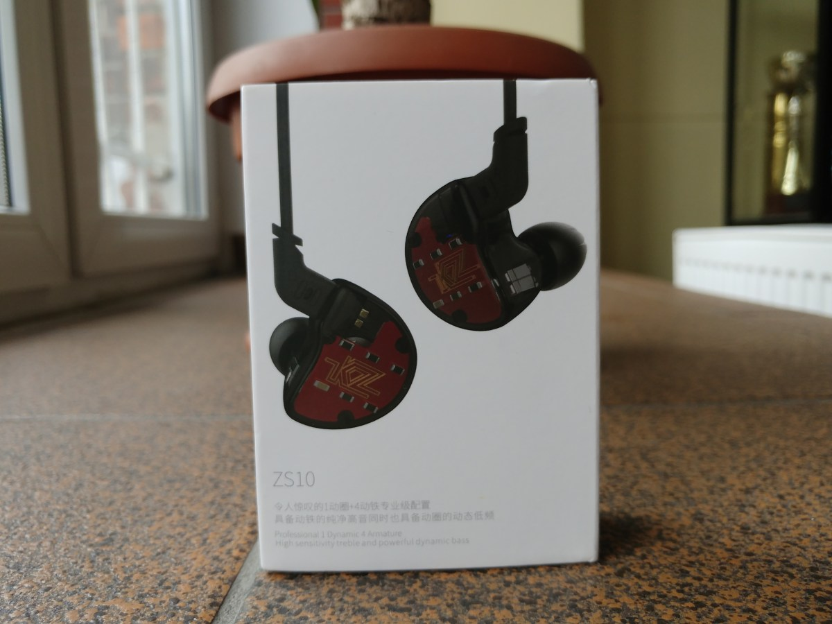 Futurystyczne słuchawki w dobrej cenie? - Test KZ ZS10
