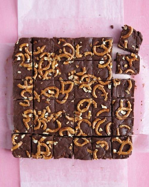 Easy Chocolate Fudge with Pretzels