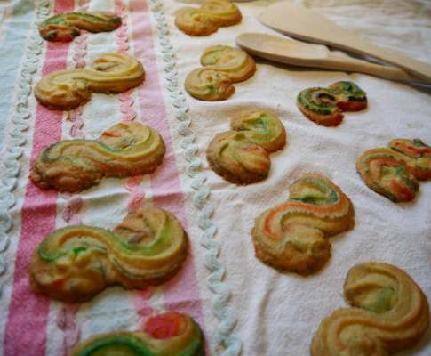 Rainbow Viennese Biscuits