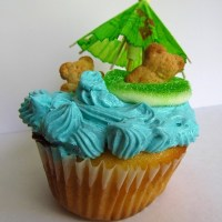Luau Cupcakes: Two Ways