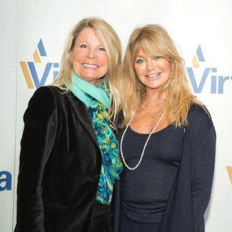 Sharon Simons and Goldie Hawn