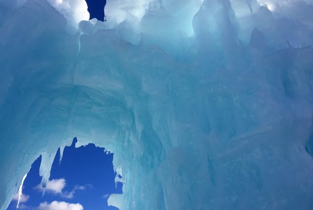 Ice-Castles-New-Hampshire-Winter-Travel-1