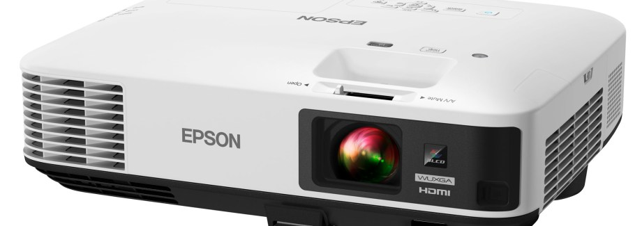 Game Night, Movie Night, & Video Games Are Better With the Epson Home Cinema 11400