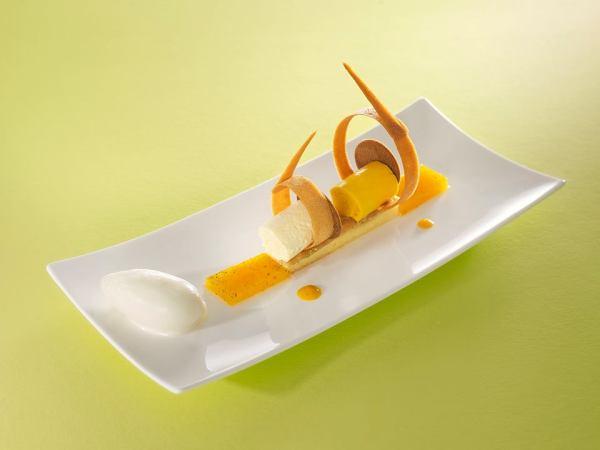 idée dessert à l'assiette exotique