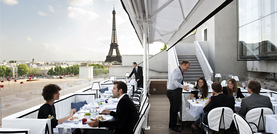 terrace restaurant parisien tour eiffel