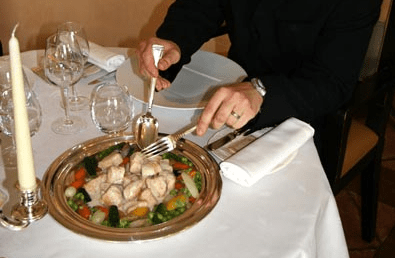 service plat sur table