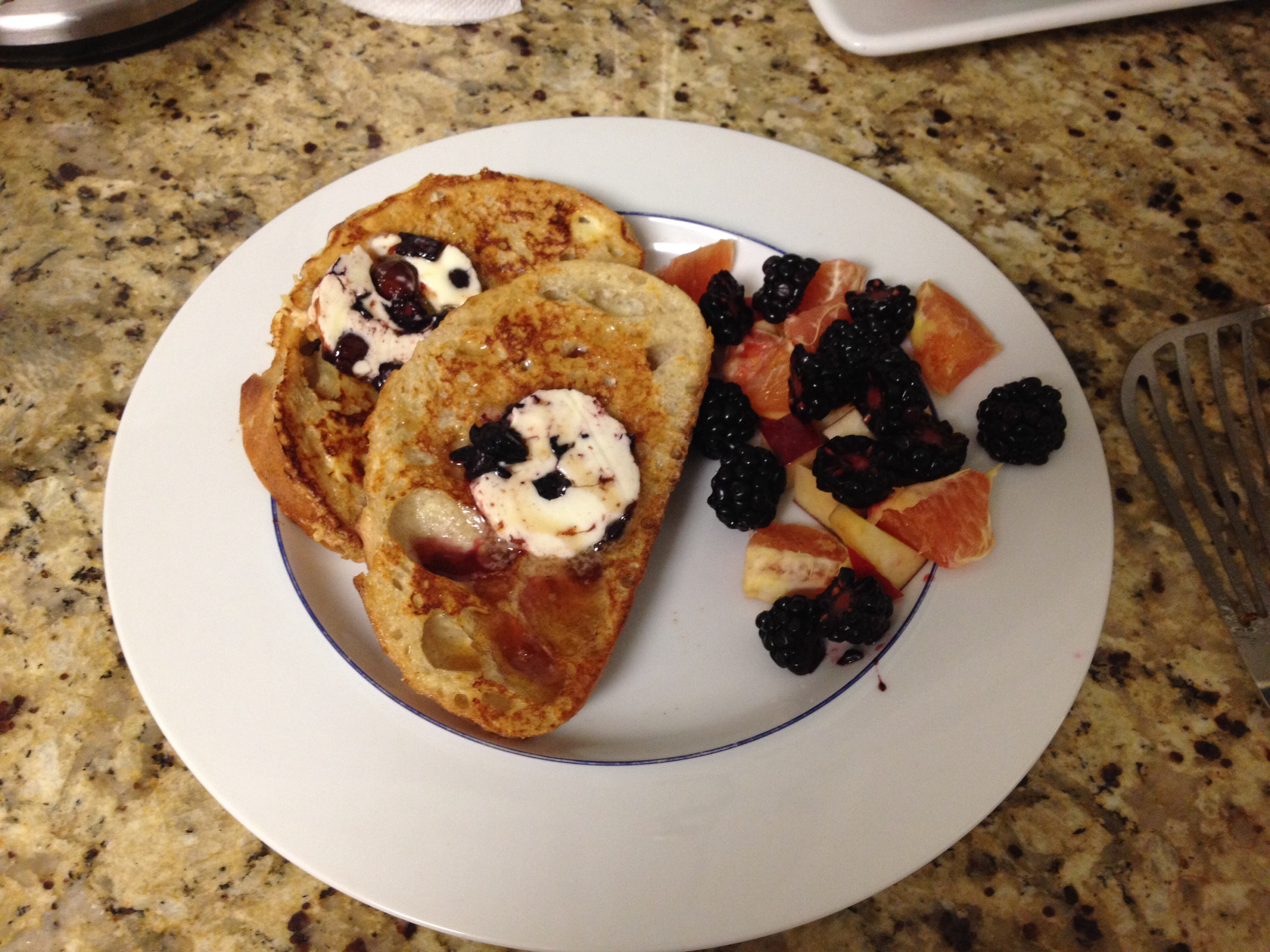 Grande Pioneer Berry Butter French Toast French Toast Monday Morning Meals Eggnog French Toast Alton Brown Alton Brown Eggnog French Toast nice food French Toast Alton Brown