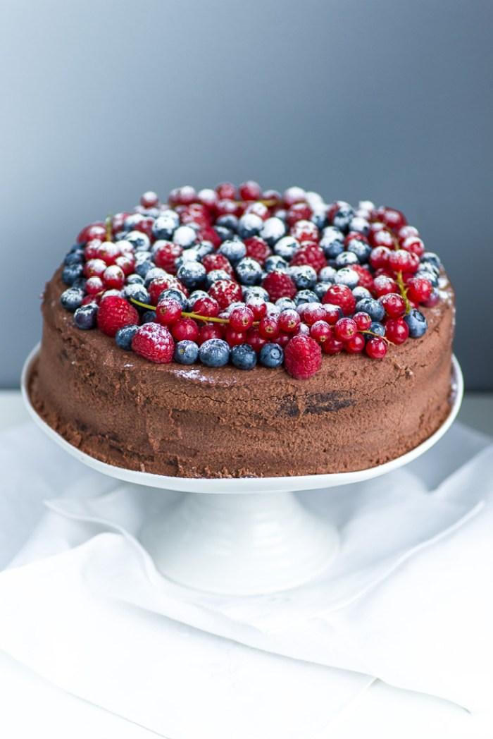 Chocolate-Berries-Birthday-Cake--1