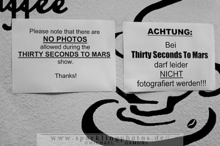 2011-08-19_Area_4_-_Thirty_Seconds_To_Mars_-_Bild_001x.jpg