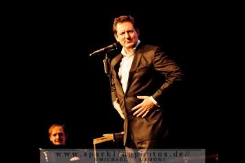 2011-12-13_Dr_Eckart_Von_Hirschhausen_-_Bild_004x.jpg