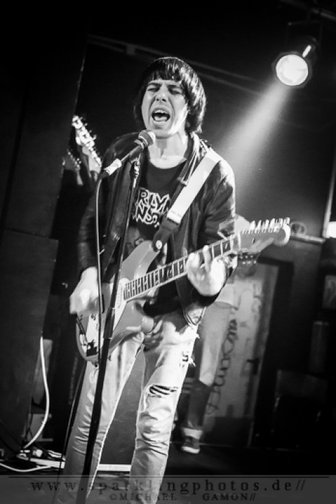 2012-11-23_The_Cribs_-_Bild_015x.jpg