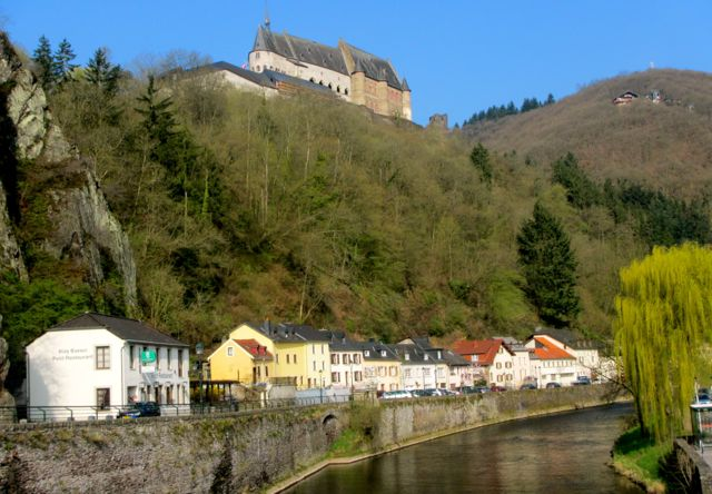 While hiking the Ardennes hikers can visit Vianden Castle along the way.
