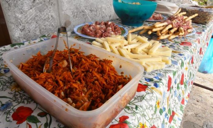 picnic lunch prepared by Hedonistic Hiking