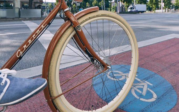 Stadt Mannheim, das Rad holt sich seinen Platz im Stadtraum zurück, Friedrichsplatz, Ben von Skyhawk