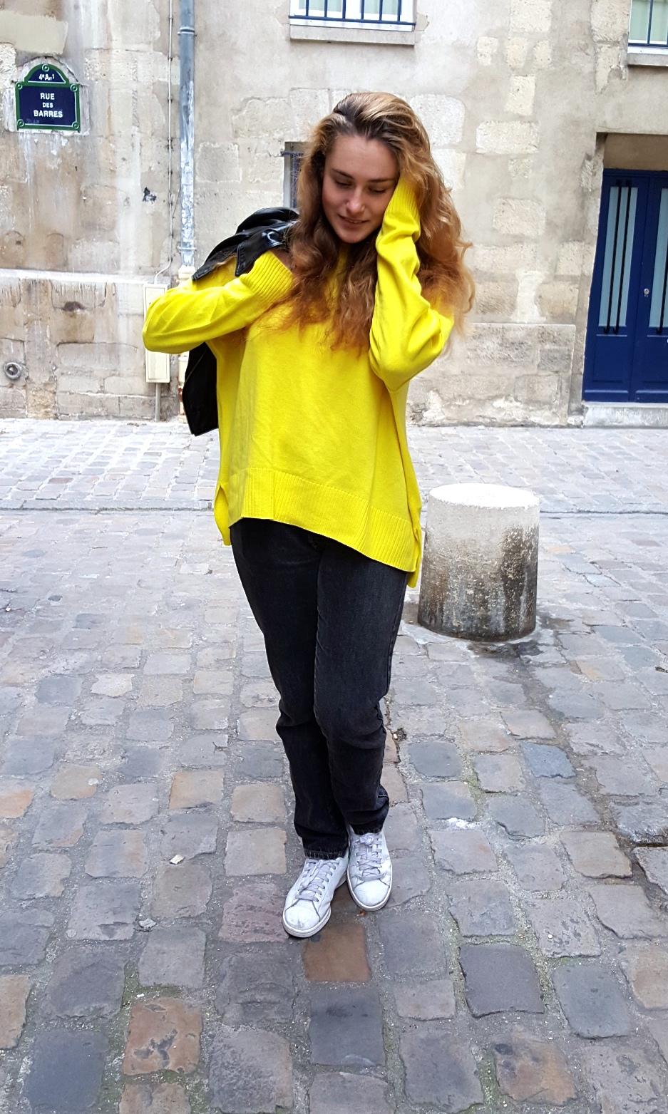 pull-jaune-1