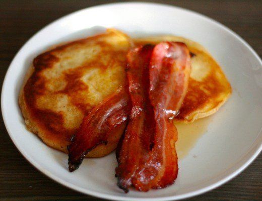 American Pancakes with maple bacon