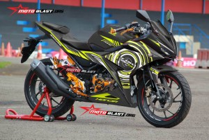 Graphic Kit Honda All new CBR150R Black super Hitech