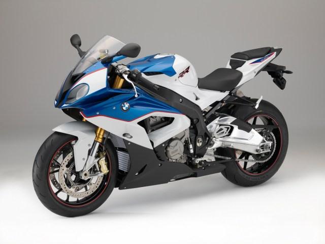 2015-BMW-S1000RR-020