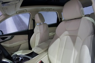 2015 NAIAS Audi Q7 Seats