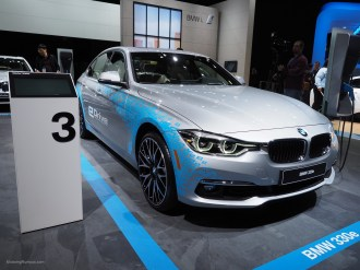 2016 NAIAS BMW 330e