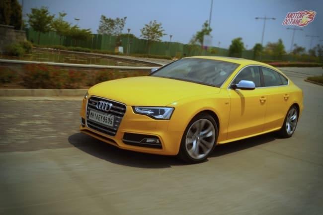 Audi S5 motion front 2