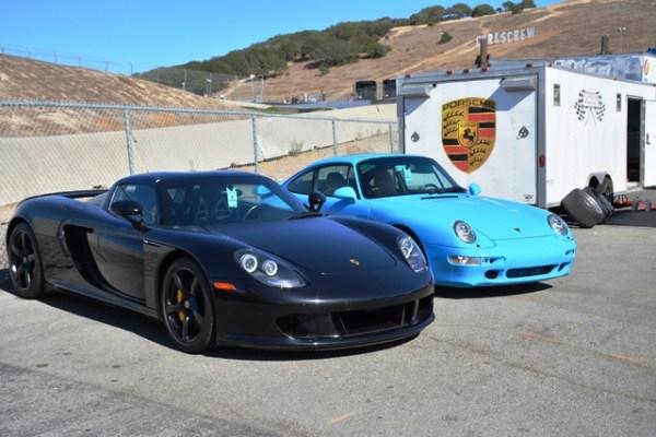 También hubo modelos modernos en exhibición como este Carrera GT y 911...