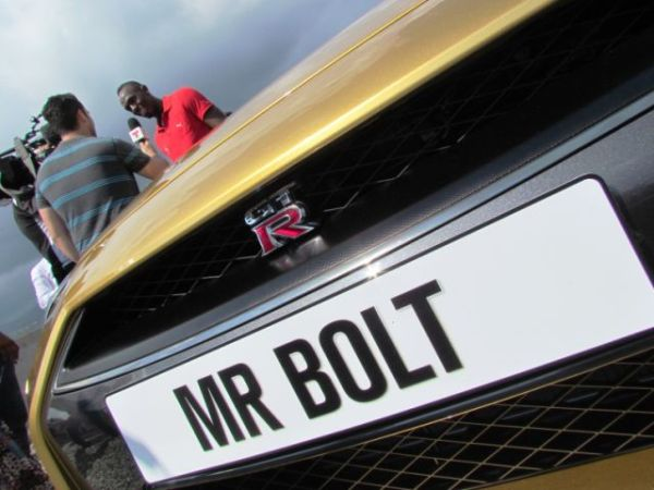 En mayo del 2013 Nissan le regaló a Usain Bolt un GT-R del mismo color que sus medallas olímpicas.  FOTOS: Andrés O'Neill, Jr.