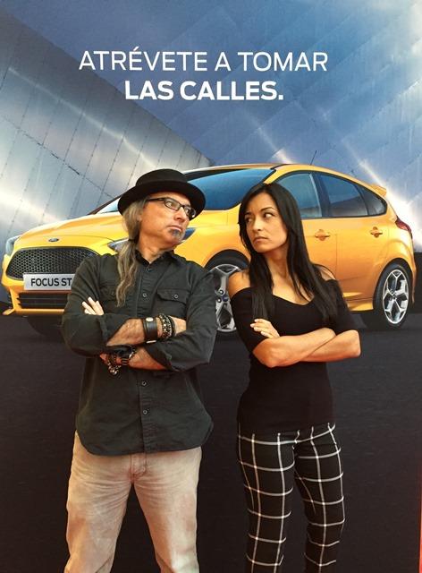 En el área de exhibición de Ford se estará llevando a cabo un reto en los simuladores de manejo entre mí y la piloto puertorriqueña Glory Fernández. Foto: Vivian Sanchez