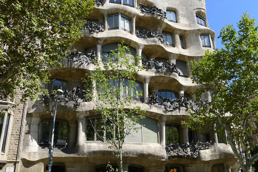 Biophiliac Gaudi on the Barcelona Bus Tour: Adventure-a-Day #25