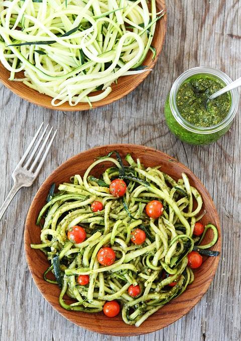 Zucchini-Noodles-with-Pesto-4